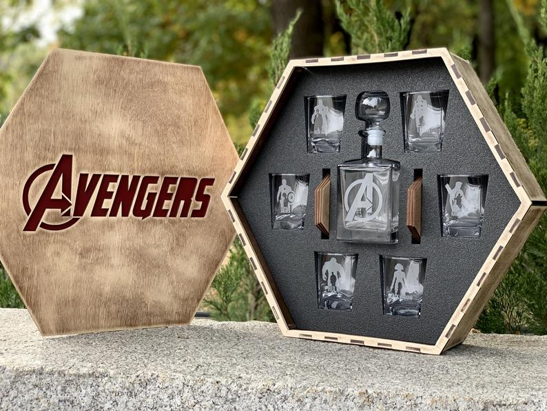 Avengers Whiskey Decanter Set